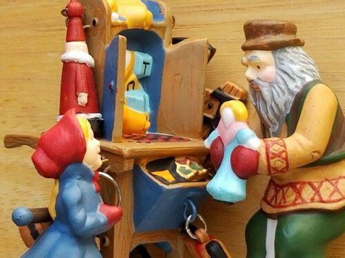 Dept 56 New England Heritage- Christmas Bazaar Toy Vendor & Cart #56597 New💖