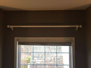 Curtain/drape rod holder