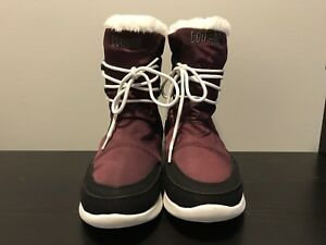 Cougar Canada Women's Size 7 Purple Winter Boots