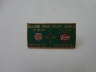LEEDS UNITED V PSV EINDHOVEN UEFA CUP 1995/1996 2ND ROUND FOOTBALL BADGE V1