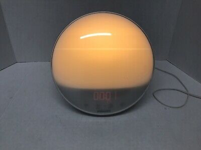 Philips Wake Up Light Alarm Clock FM Radio Sunrise Simulation HF3520 Used