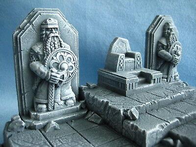 Dwarf Statue Unpainted Ceramic Thomarillion Terrain Dwarven Forge D&D