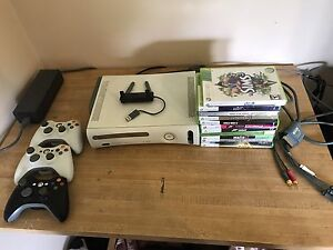 Xbox 360 60gb 3 controllers and games