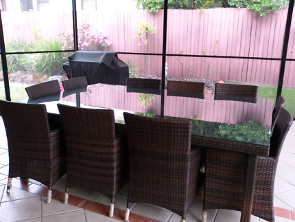OUTDOOR WICKER SETTING (10 SEATER)