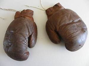 VINTAGE LEATHER BOXING GLOVES Alberton Port Adelaide Area Preview