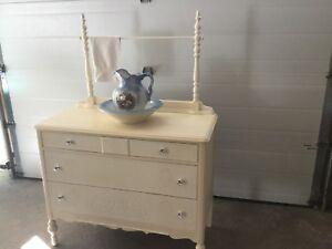 Dresser/Washstand