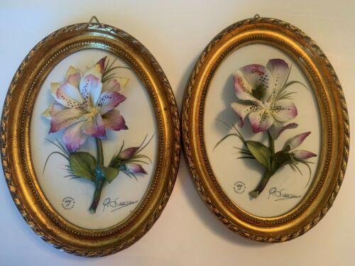 Capodimonte Oval Wall Plaques- Lavendar Lillies- set of 2
