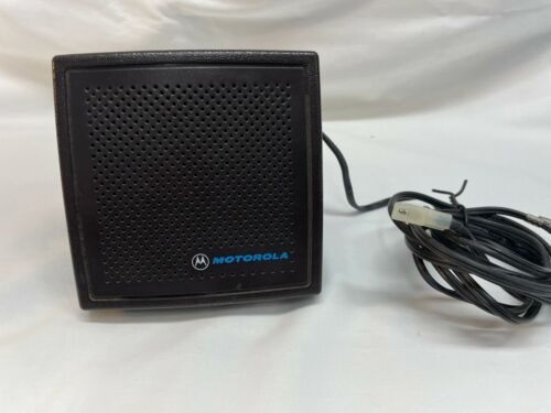 MOTOROLA SPEAKER HSN4018B WITH MOUNTING BRACKET  8 FOOT CORD
