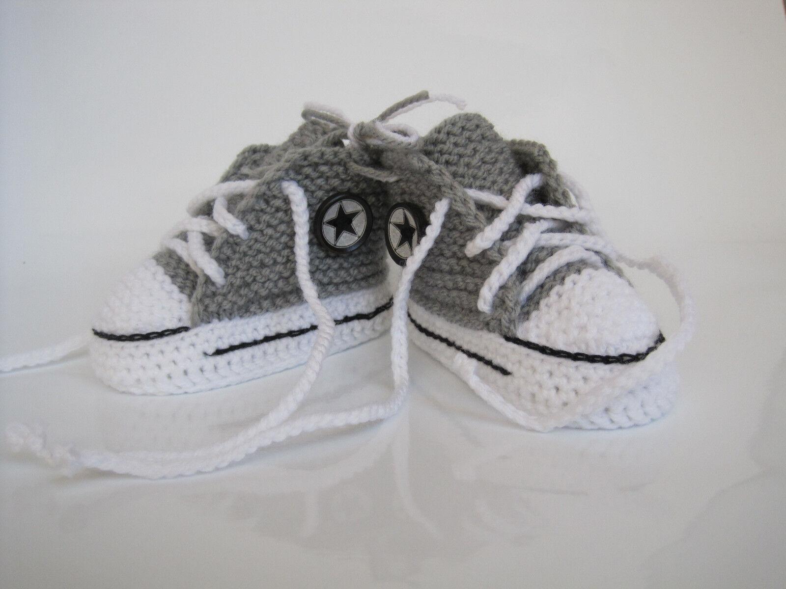 Converse Chucks Stern Grau Baby Schuhe Socken 10cm gehäkelt gestrickt Handarbeit