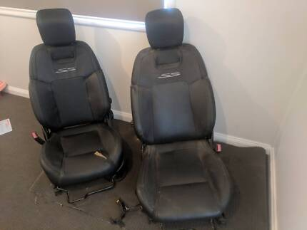Ve Commodore as SSV front seats driver and passenger seat