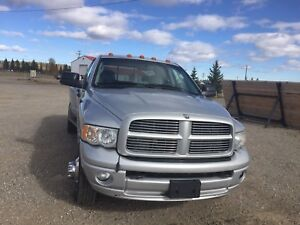 2005 Dodge Ram 3500 dually Laramie