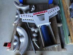 Bramley hydraulic pipe bender with cast aluminium alloy formers