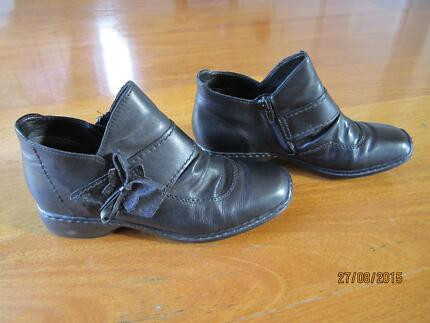 Boots - (Rieker brand name) Leather Perth Region Preview