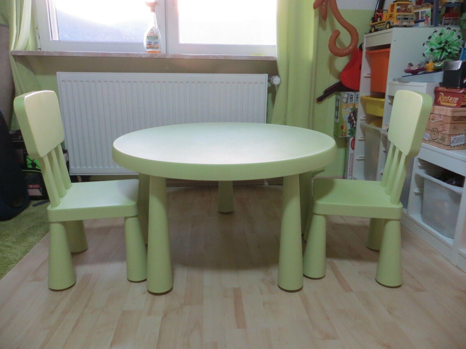 IKEA Mammut Kinder Sitzgruppe Tisch zwei Stühle grün