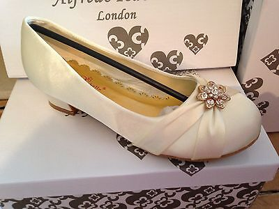 Ivory Satin Flower Girl Shoes (GIRLS IVORY SATIN BRIDESMAID FLOWER GIRL WEDDING COMMUNION DRESS SHOES)