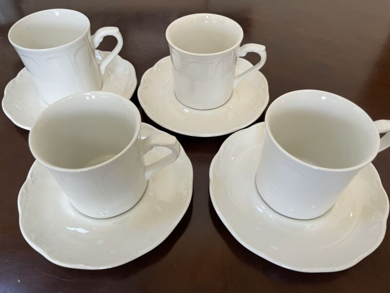 Set of 4 J & G Meakin English Ironstone Sterling Colonial Cup & Saucer Sets