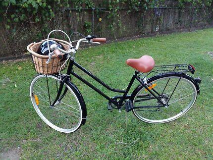 6 Speed Ladies Vintage Reid Cycles Bicycle (Black)