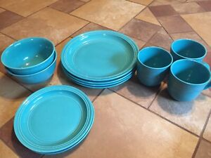 Teal dish set GREAT CONDITION