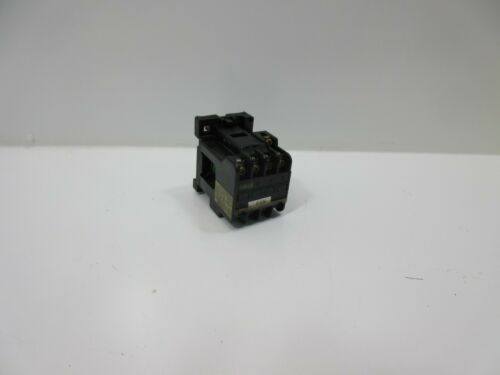 FUJI SRC3631-02/X MAGNETIC CONTACTOR *60 DAY WARRANTY*