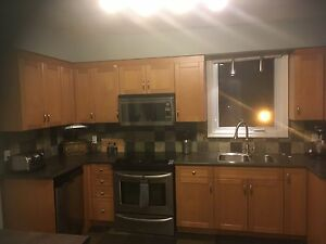 Solid wood kitchen. Excellent condition! Must Go!!