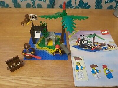 VINTAGE LEGO 6260 PIRATES SHIPWRECK ISLAND 100% COMPLETE With Monkey Minifigure