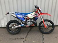 KTM 300 EXC TPI 6 DAYS SIX DAYS 2018 LOW HOURS 1 OWNER