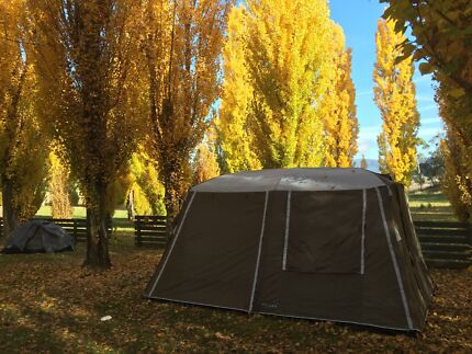 DUNE 4WD Fraser cabin tent 8 persons & Dune 4WD Cabin Tent | Camping u0026 Hiking | Gumtree Australia Moonee ...
