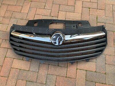 Front Bumper Fog Lamp Cover Grille Kit 95517297 Genuine Vauxhall Vivaro B 2015