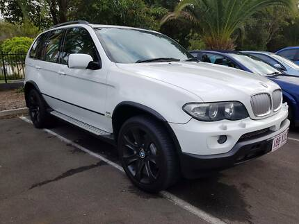 06 BMW X5 Wagon SPORT - 4.4L SPORT - PANORAMIC ROOF - 20IN WHEELS