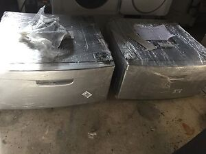 Kenmore Washer/Dryer Pedestals (Imperial Silver)
