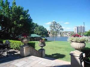 KANGAROO POINT RIVERSIDE FULLY FURNISHED STUDIO Kangaroo Point Brisbane South East Preview