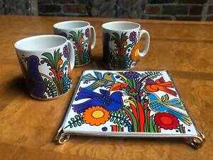 Villeroy and Boch Acapulco 3x vintage mugs and trivet