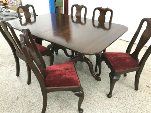 Henkel Harris Mahogany Dining Table, 6 Chairs, 3 Leaves and pads