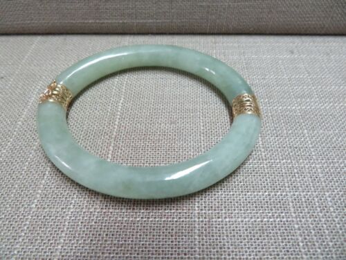 14K Jade Bangle Bracelet / Oval Shape / !4k Solid Yellow Gold Filigree Hinge