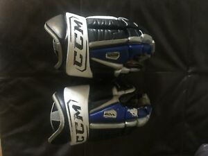 "Men's CCM Pro stock 15"" hockey gloves Leafs colors"