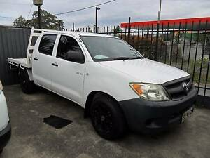 2006 Toyota Hilux DUAL CAB AUTOMATIC V6 4D WHITE UTE Lansvale Liverpool Area Preview