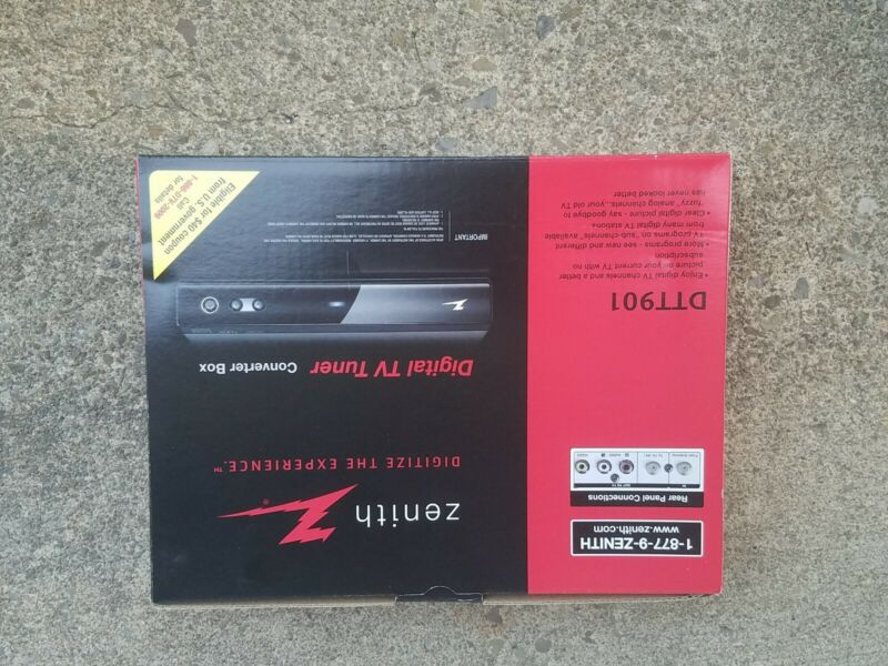 Zenith Digital TV Tuner Converter Box DTT901 Open Box