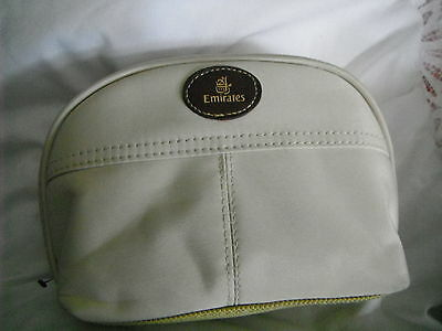 EMIRATES TOILET BAG WITH ACCESSORIES VINTAGE