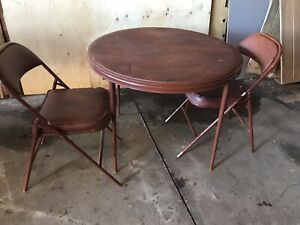 Folding card table with 2 chairs