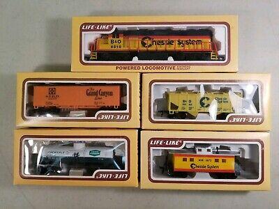 Life-Like HO Scale Train Set: Chessie GP38 Locomotive, 3 Cars & Caboose