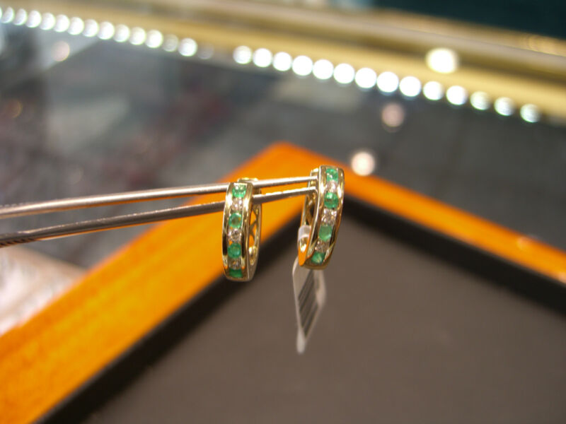 Fine Emerald & Diamond Womens Earrings 14 Karat Yellow Gold New 0.55 Carats Wow!