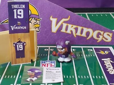 NFL Teenymates 2018 Series 7 Minnesota Vikings WR Adam Thielen figure & locker