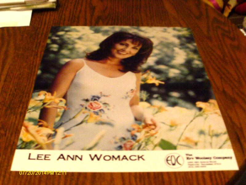Lee Ann Womack Color Publicity Photo