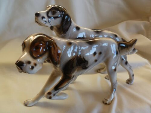 KERAMOS AUSTRIA PORCELAIN FIGURINE PAIR OF ENGLISH  SETTER HUNTING DOGS
