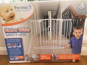 Perma extra wide Baby Gate Auchenflower Brisbane North West Preview