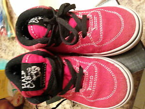 Vans Suede child size 9 like new condition