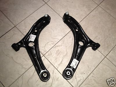 TOYOTA YARIS 99-05 TWO FRONT LOWER WISHBONE SUSPENSION ARMS 12 MM CENTER BUSH LR
