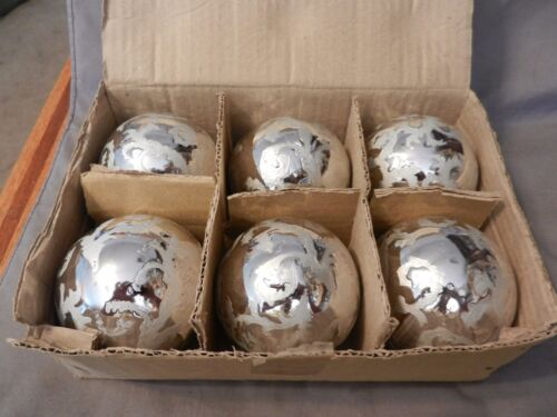 "Set of 6 Decorative Silver Christmas Balls with Swirls 3"" Diameter (M)"