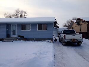 4 bedroom 2 bath dbl oversize garage