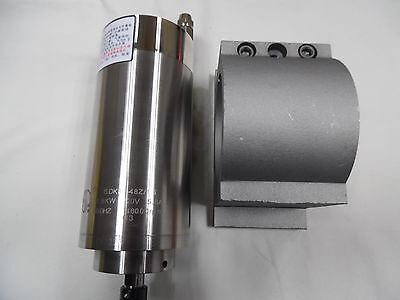 1.5kw Er11 48000rpm Spindle Motor High Speed Water Cooled 2.2kw Vfd Pump Kit